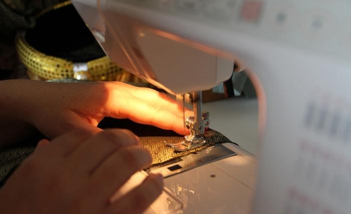 Fabrika čarapa počela da šije zaštitne maske