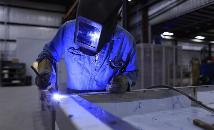 Francuska kompanija će u Kikindi praviti delove za avione